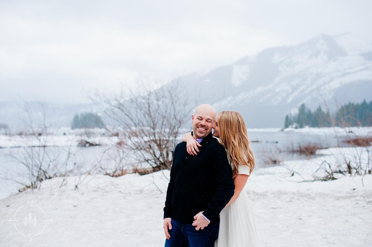 Washington_Winter_Engagement_Snowy_002
