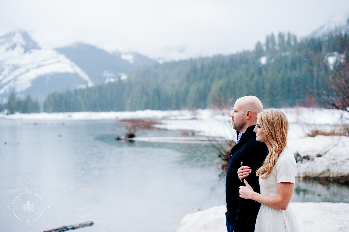 Washington_Winter_Engagement_Snowy_009