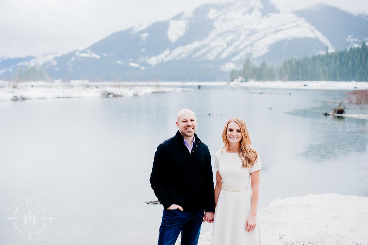 Washington_Winter_Engagement_Snowy_011
