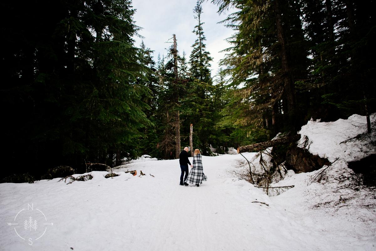 Washington_Winter_Engagement_Snowy_018