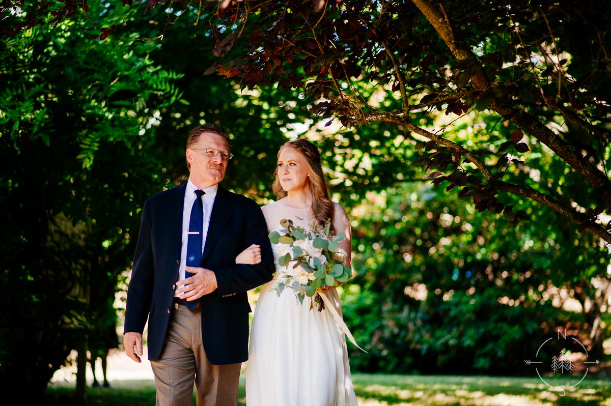 NealandSaskiaPhotography_Whidbey_Wedding_005
