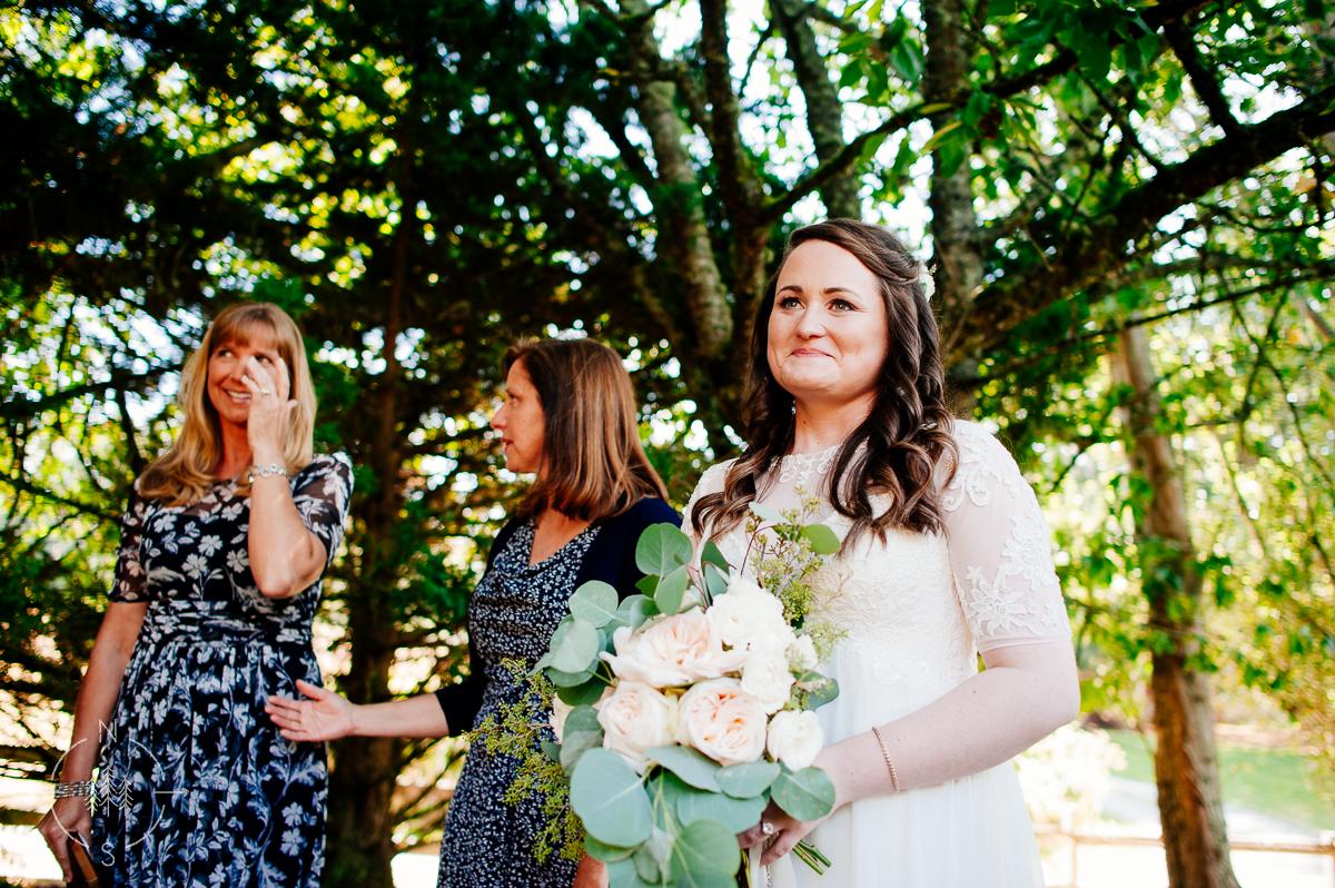 NealandSaskiaPhotography_Whidbey_Wedding_006