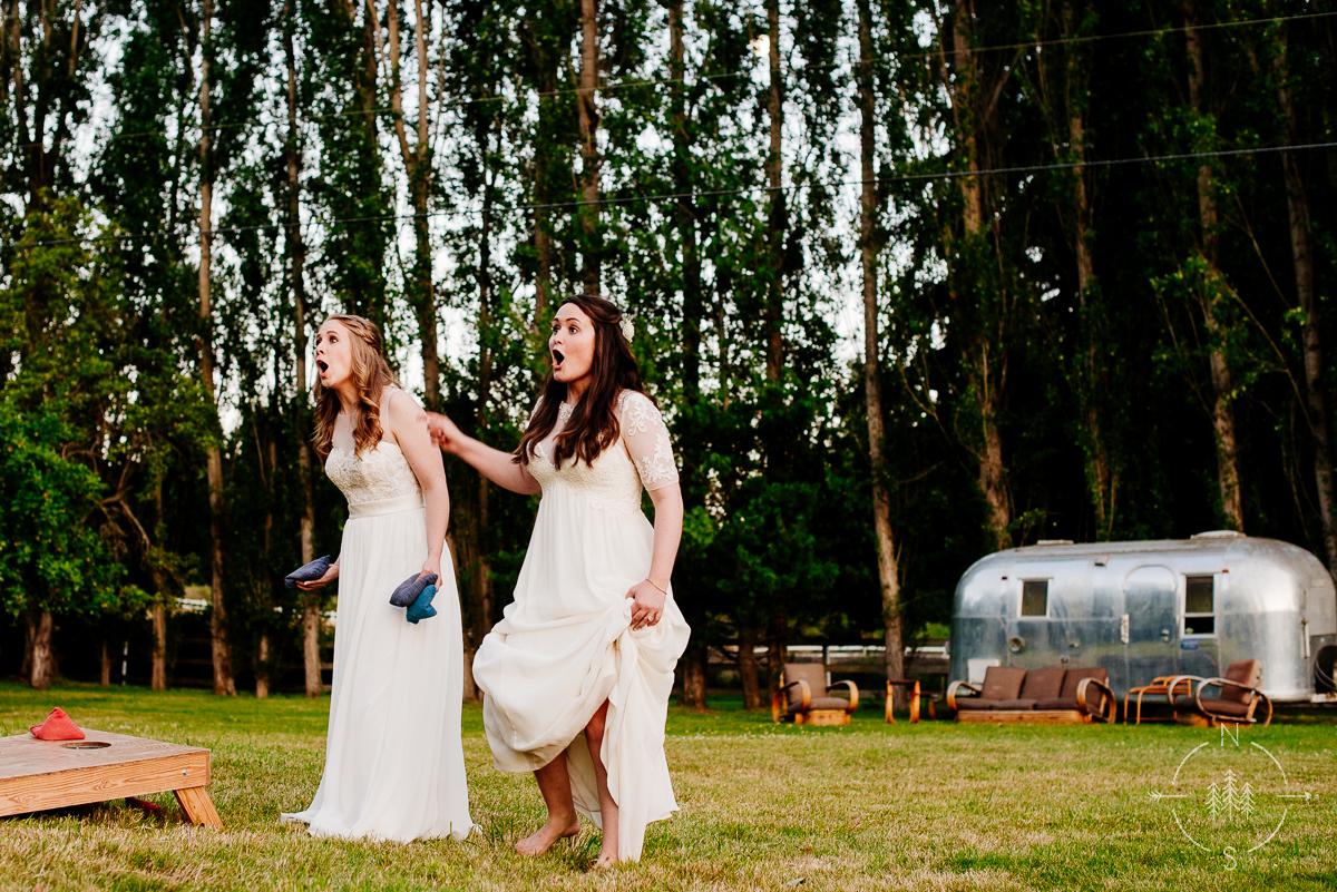 NealandSaskiaPhotography_Whidbey_Wedding_024